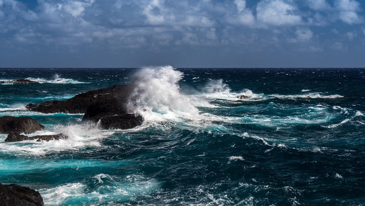 Ilmu tauhid - Laut, salah satu ciptaan Allah.