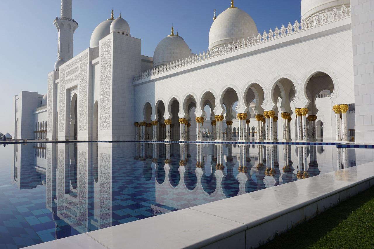 Adab Menuju Masjid Sesuai Sunnah